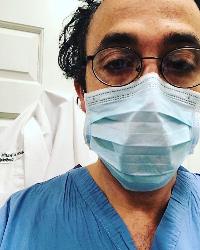 20 fotos emocionantes que mostram o sacrifício dos profissionais de saúde contra o coronavírus 21