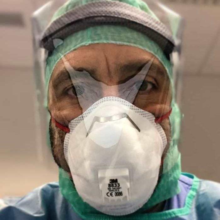 20 fotos emocionantes que mostram o sacrifício dos profissionais de saúde contra o coronavírus 10